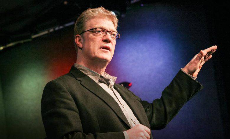 """Sir Ken Robinson; """"Okullar yaratıcılığı öldürüyor."""""""